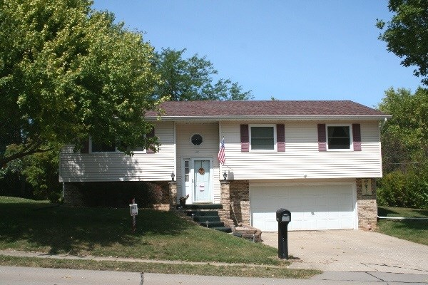 118 W 47th Street, Davenport, IA - USA (photo 1)