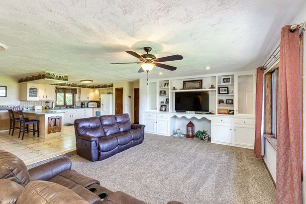 509 W Grove Street, Long Grove, IA - USA (photo 3)