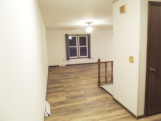 2210 E 38th Place, Davenport, IA - USA (photo 3)