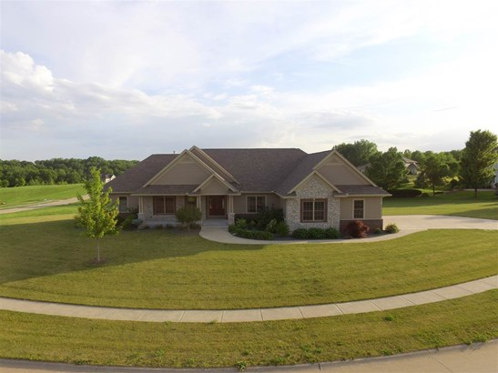 22 Pebble Creek Circle, Le Claire, IA - USA (photo 1)