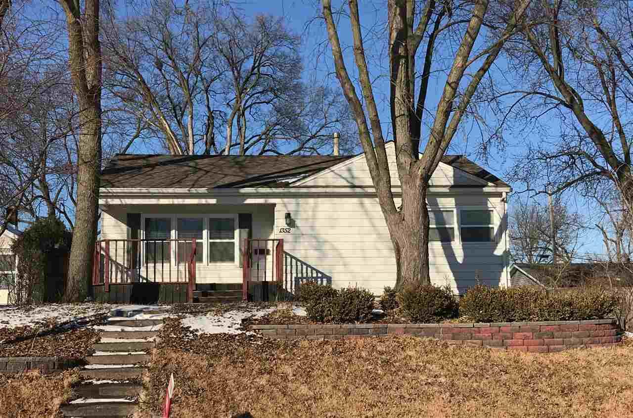 1352 W 37th Street, Davenport, IA - USA (photo 1)