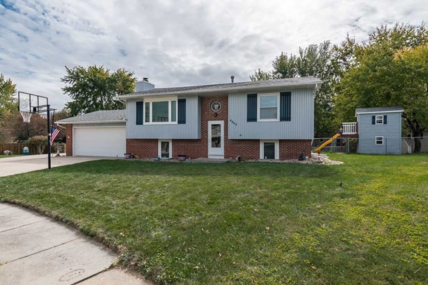 4802 Madison Court, Davenport, IA - USA (photo 1)