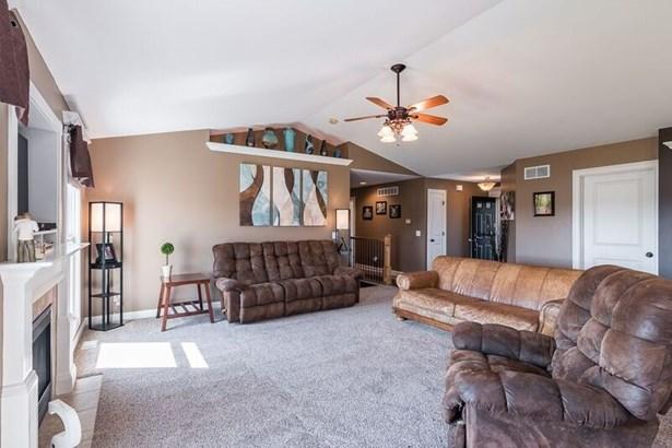385 W Broadmoor Drive, Eldridge, IA - USA (photo 4)