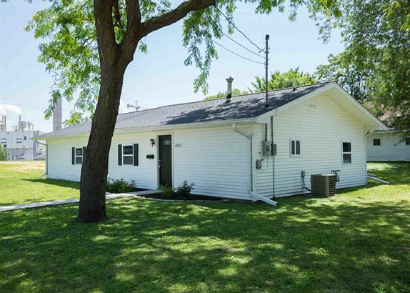 2417 Sabula Avenue, Clinton, IA - USA (photo 2)