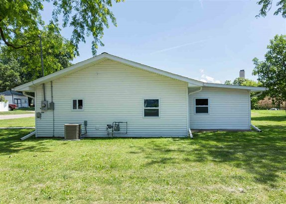 2417 Sabula Avenue, Clinton, IA - USA (photo 3)