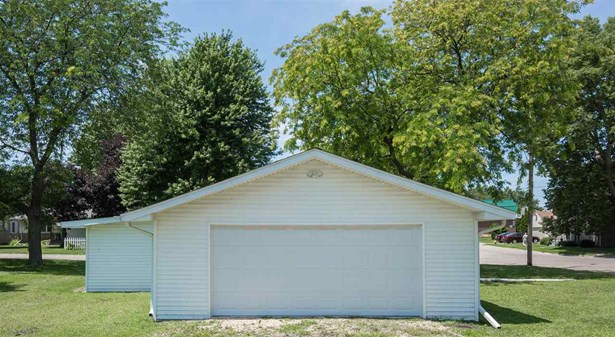 2417 Sabula Avenue, Clinton, IA - USA (photo 4)