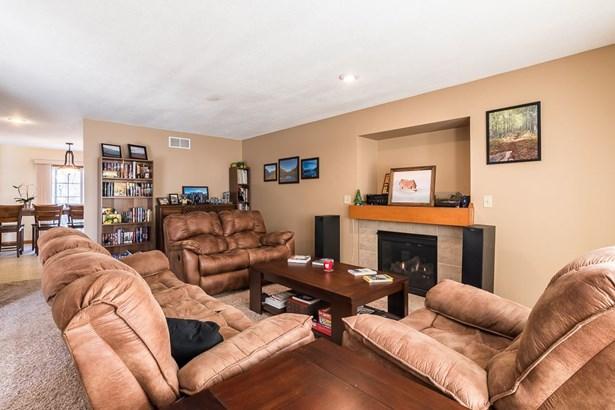 6911 Cresthill Drive, Davenport, IA - USA (photo 2)