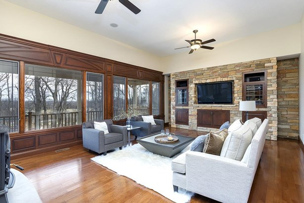 2399 Forest Reed Place, Le Claire, IA - USA (photo 4)
