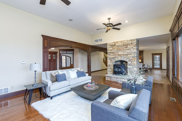 2399 Forest Reed Place, Le Claire, IA - USA (photo 5)