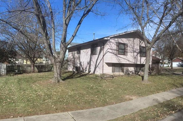 4322 N Linwood Avenue, Davenport, IA - USA (photo 2)