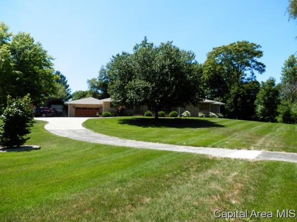 720 N 11th, Monmouth, IL - USA (photo 1)