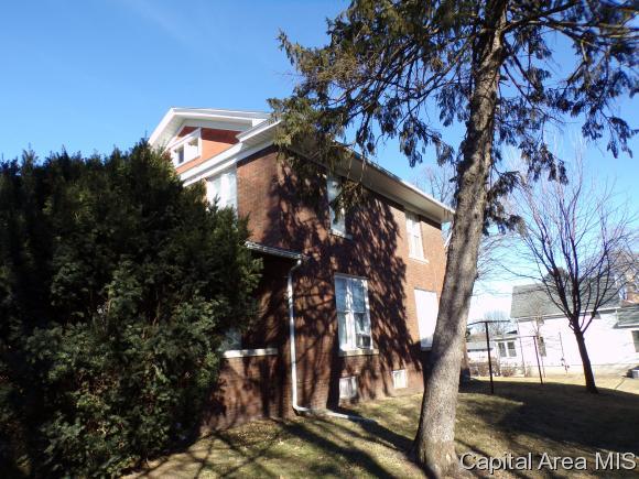323 N 3rd St., Monmouth, IL - USA (photo 2)
