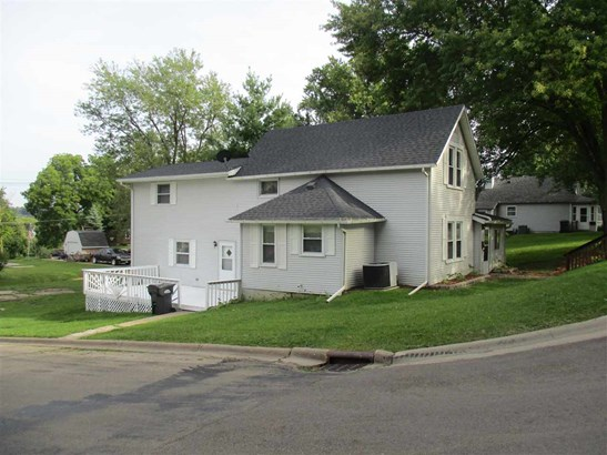 3131 Roosevelt Street, Clinton, IA - USA (photo 1)