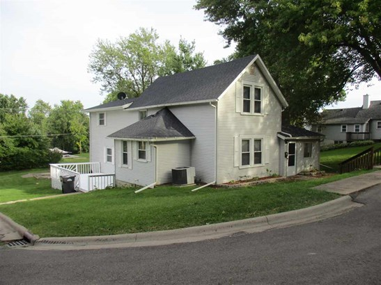 3131 Roosevelt Street, Clinton, IA - USA (photo 2)