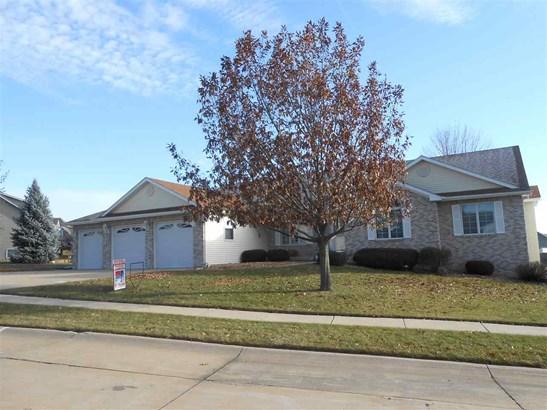 6539 Woodland Court, Davenport, IA - USA (photo 1)