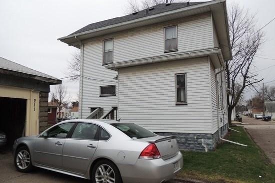 211 Cedar Street, Davenport, IA - USA (photo 3)