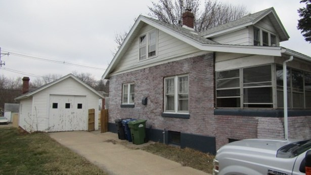 3026 Cleveland Street, Clinton, IA - USA (photo 3)