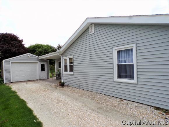 1327 Lincoln Rd, Monmouth, IL - USA (photo 3)