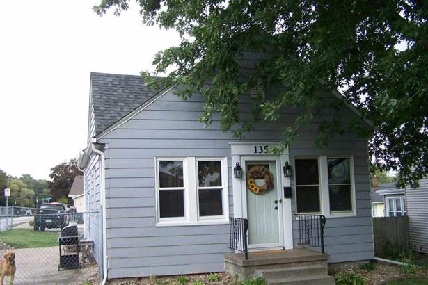 135 N Hazelwood Avenue, Davenport, IA - USA (photo 1)