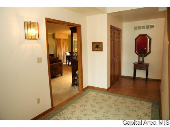 2277 Christopher Dr, Galesburg, IL - USA (photo 4)