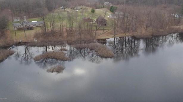7266 Brush Lake Road, Eau Claire, MI - USA (photo 4)