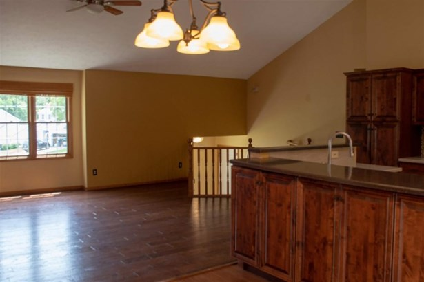 2313 Pine Creek Court, South Bend, IN - USA (photo 5)