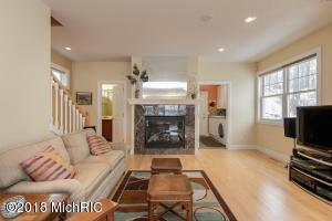7882 Lakewood Drive S, Coloma, MI - USA (photo 5)