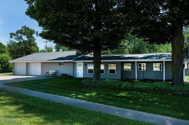 69007 Section Street, Edwardsburg, MI - USA (photo 1)
