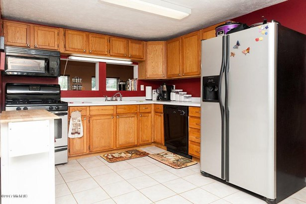 69007 Section Street, Edwardsburg, MI - USA (photo 5)