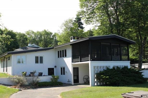 643 N Longwood Drive, Sawyer, MI - USA (photo 1)