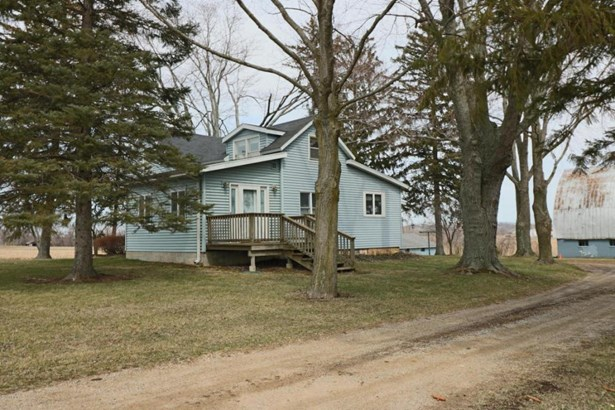 10361 Cleveland Avenue , Baroda, MI - USA (photo 1)