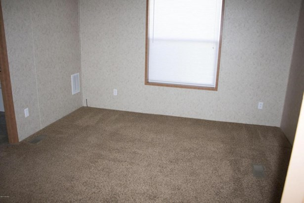69205 Garver Lake #20, Edwardsburg, MI - USA (photo 5)