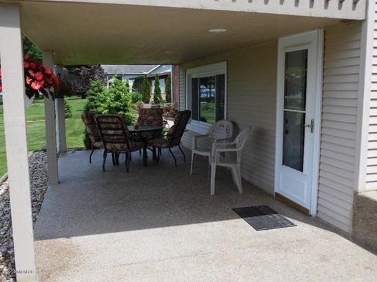 70192 Lakeview Drive , Edwardsburg, MI - USA (photo 4)