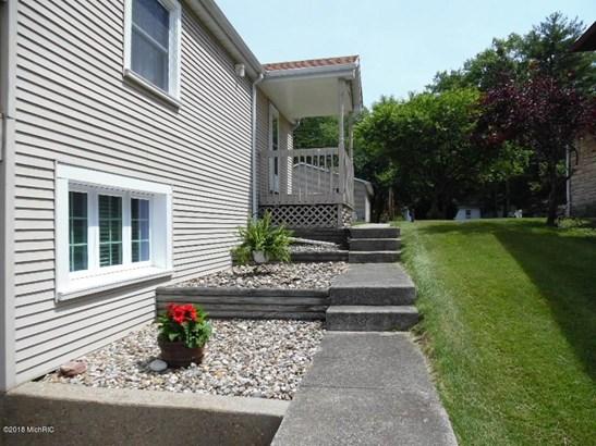 70192 Lakeview Drive , Edwardsburg, MI - USA (photo 5)