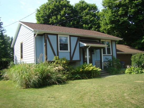 26721 Hamilton Street, Edwardsburg, MI - USA (photo 2)