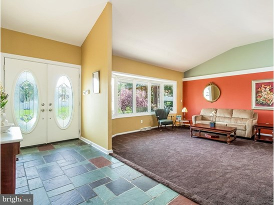 Single Family Residence, Traditional - CHERRY HILL, NJ (photo 4)