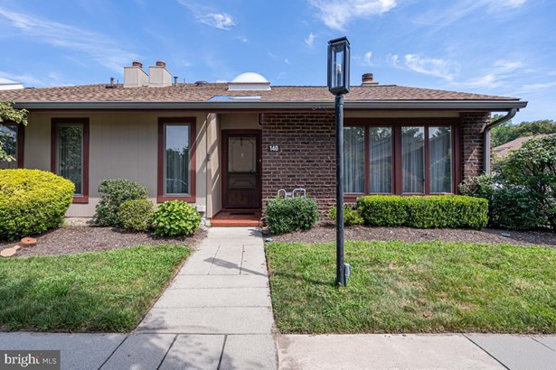 Colonial, End Of Row/Townhouse - CHERRY HILL, NJ