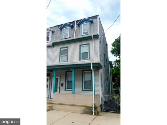 Twin/Semi-detached, Traditional - GLOUCESTER CITY, NJ