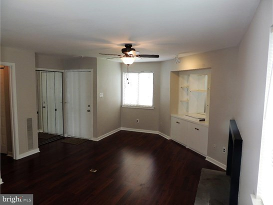 Unit/Flat, Contemporary - VOORHEES TWP, NJ (photo 2)