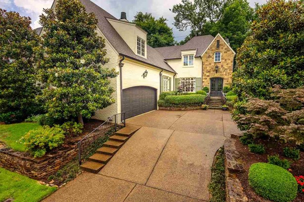 Detached Single Family, Traditional,French - Germantown, TN