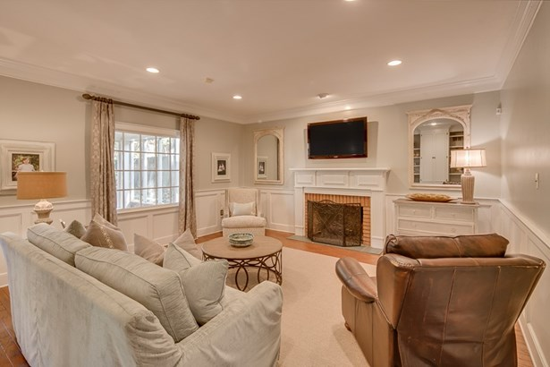 Detached Single Family, Traditional - Germantown, TN (photo 5)