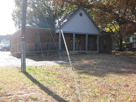Detached Single Family, Traditional - Memphis, TN (photo 2)