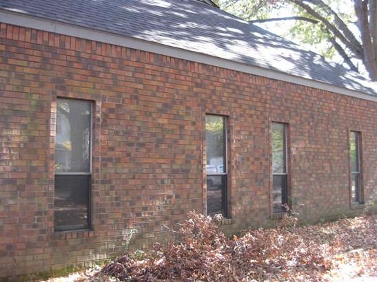 Detached Single Family, Traditional - Memphis, TN (photo 5)
