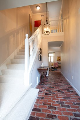 Attached Single Family, Traditional,French - Memphis, TN (photo 2)