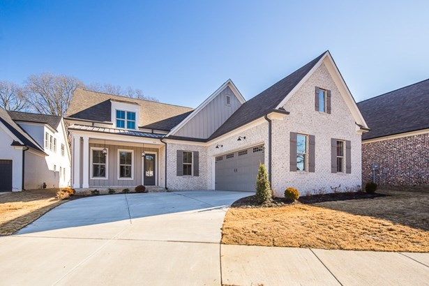 Detached Single Family, Traditional - Rossville, TN