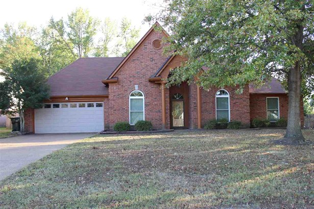 Detached Single Family, Traditional - Bartlett, TN (photo 1)