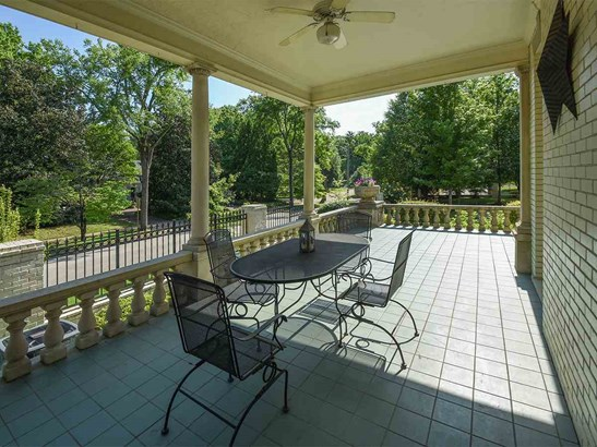 Detached Single Family, Traditional,Colonial - Memphis, TN (photo 4)