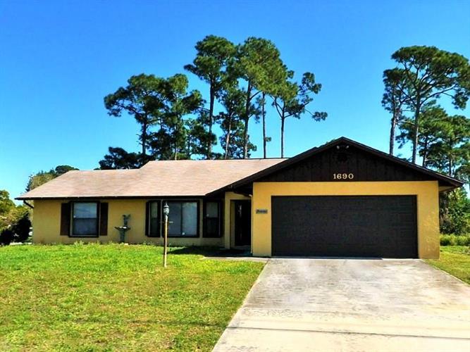 1690 N 37th Street, Fort Pierce, FL - USA (photo 1)