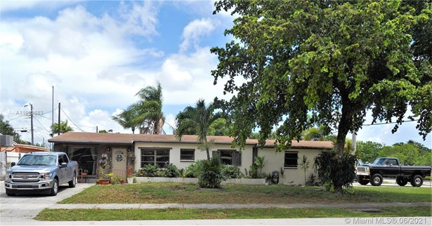 R30-no Pool/No Water, Single Family - Fort Lauderdale, FL