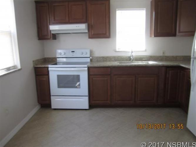 132 Hotel Ave 3, Edgewater, FL - USA (photo 3)